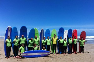group surf lessons in Middleton