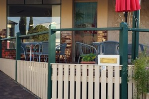 the retro vibe cafe in Port Elliot