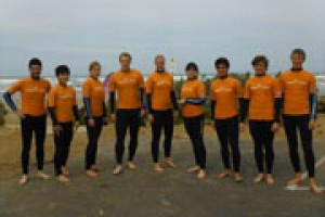 surf lesson coaches and students