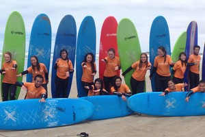 group surfing lessons in Middleton